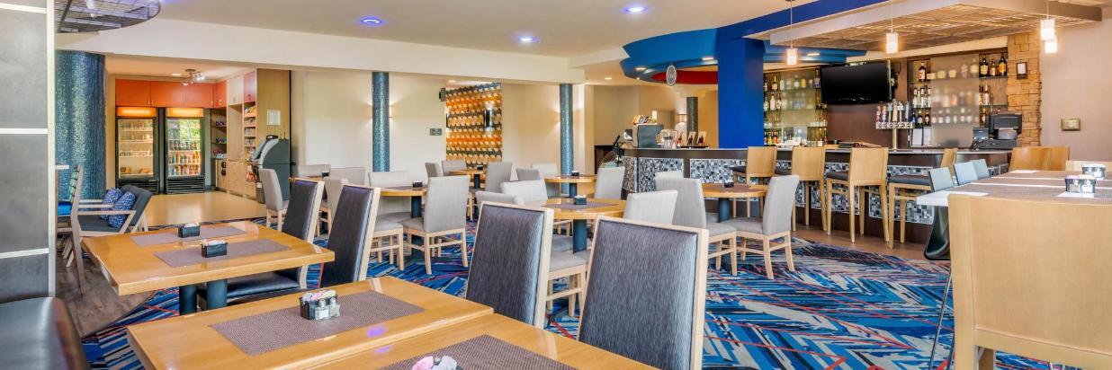 fla82restaurant5.jpg