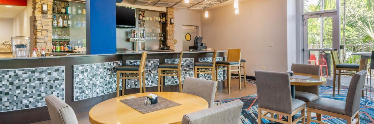 fla82restaurant4.jpg