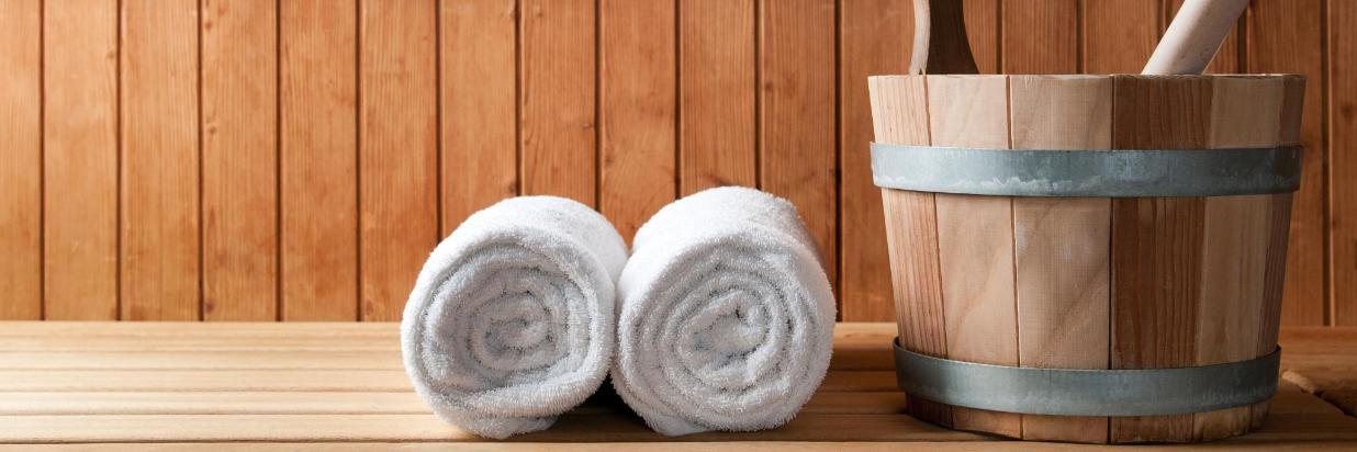 Sauna, gerolltes Handtuch.jpg