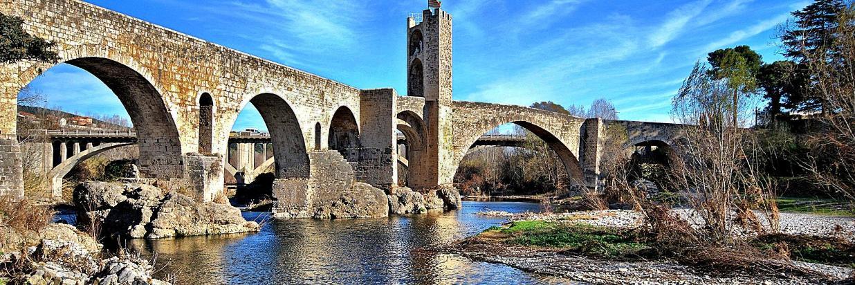 Pont_Medieval_(Besalú)_-_7.jpg