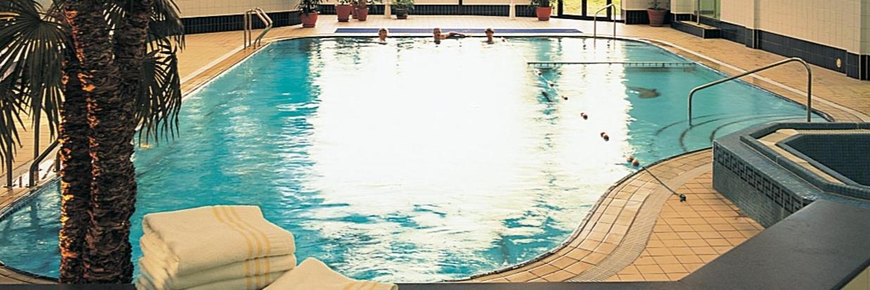 Mollington Pool.jpg