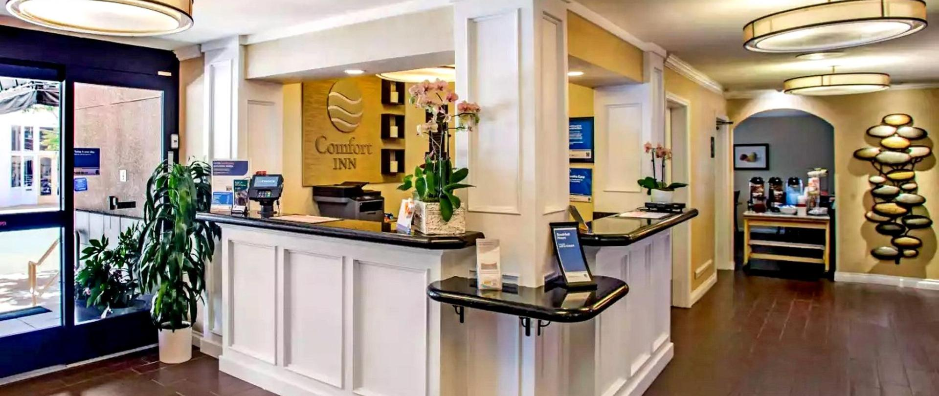 Comfort Inn Gaslamp Convention Center.jpg