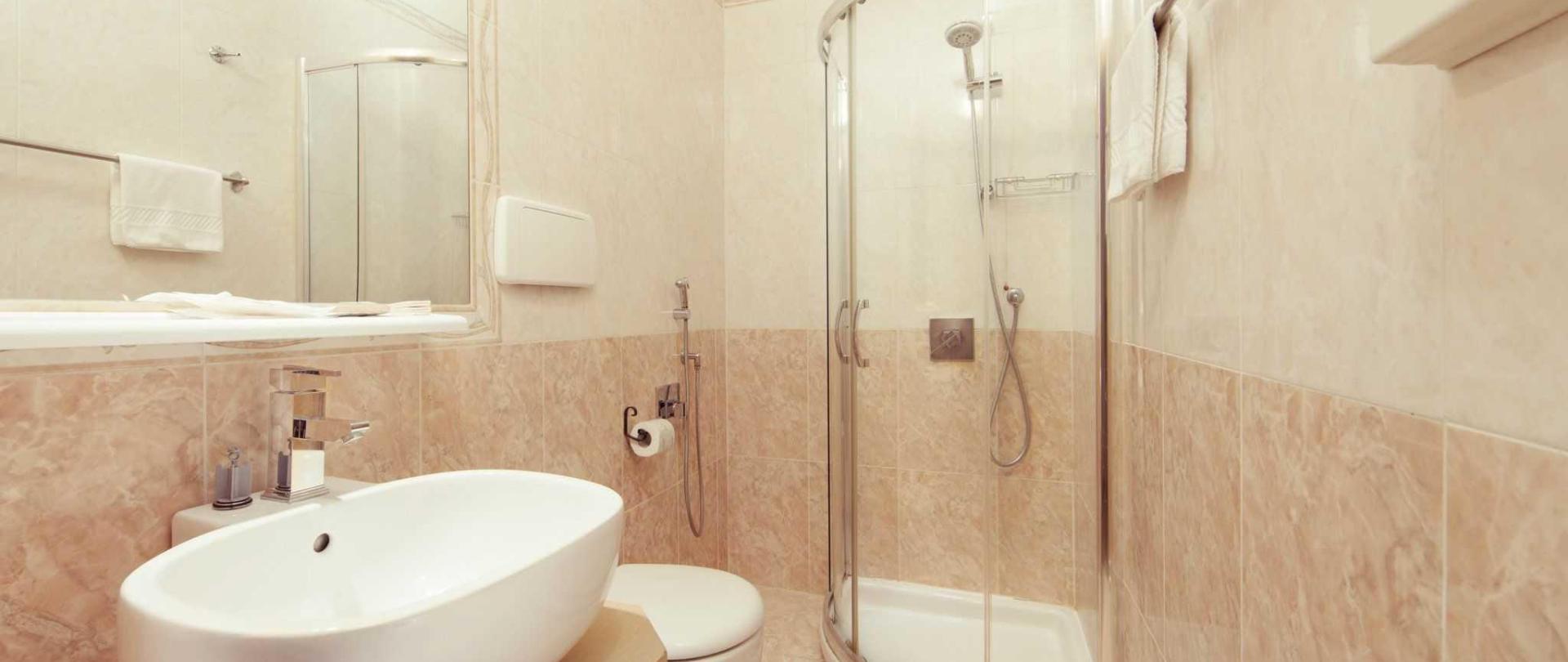 toilet-02-4.jpg