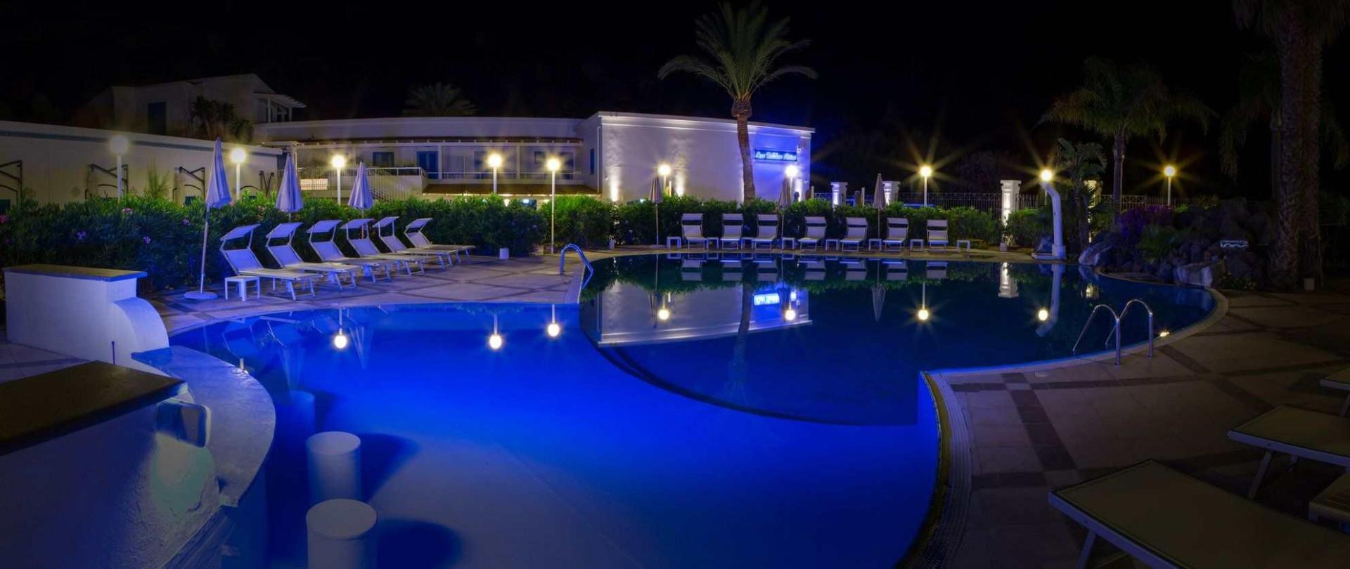 piscina001.jpg