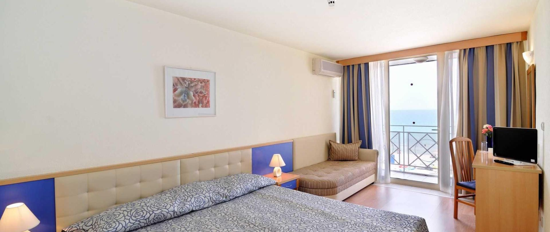 mura-room.jpg