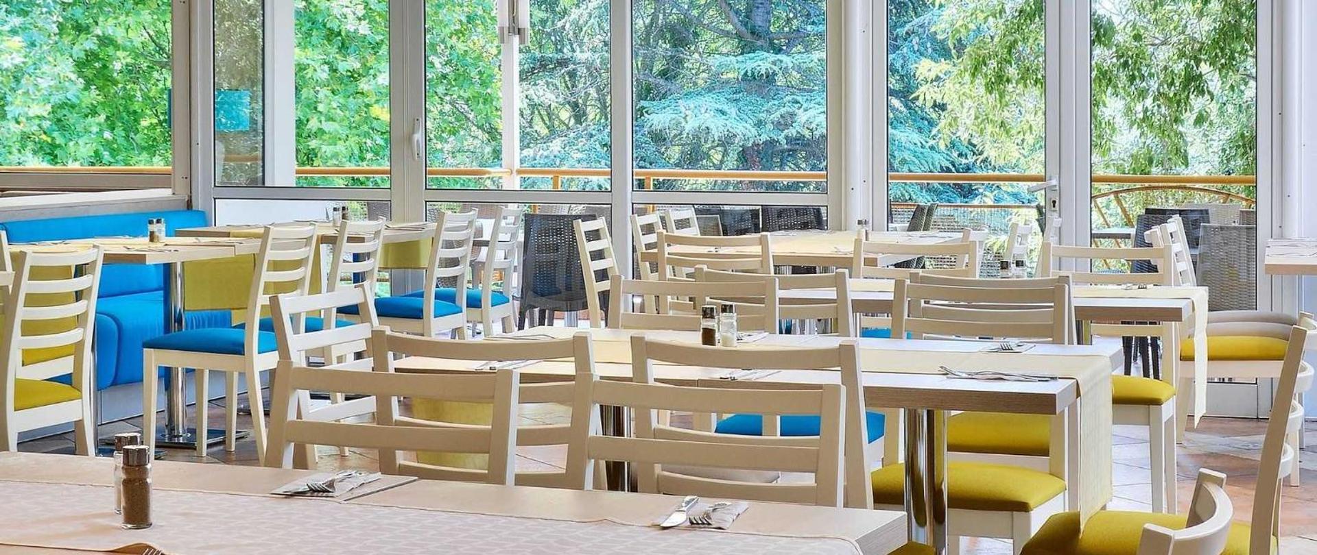 main-restaurant-2.jpg