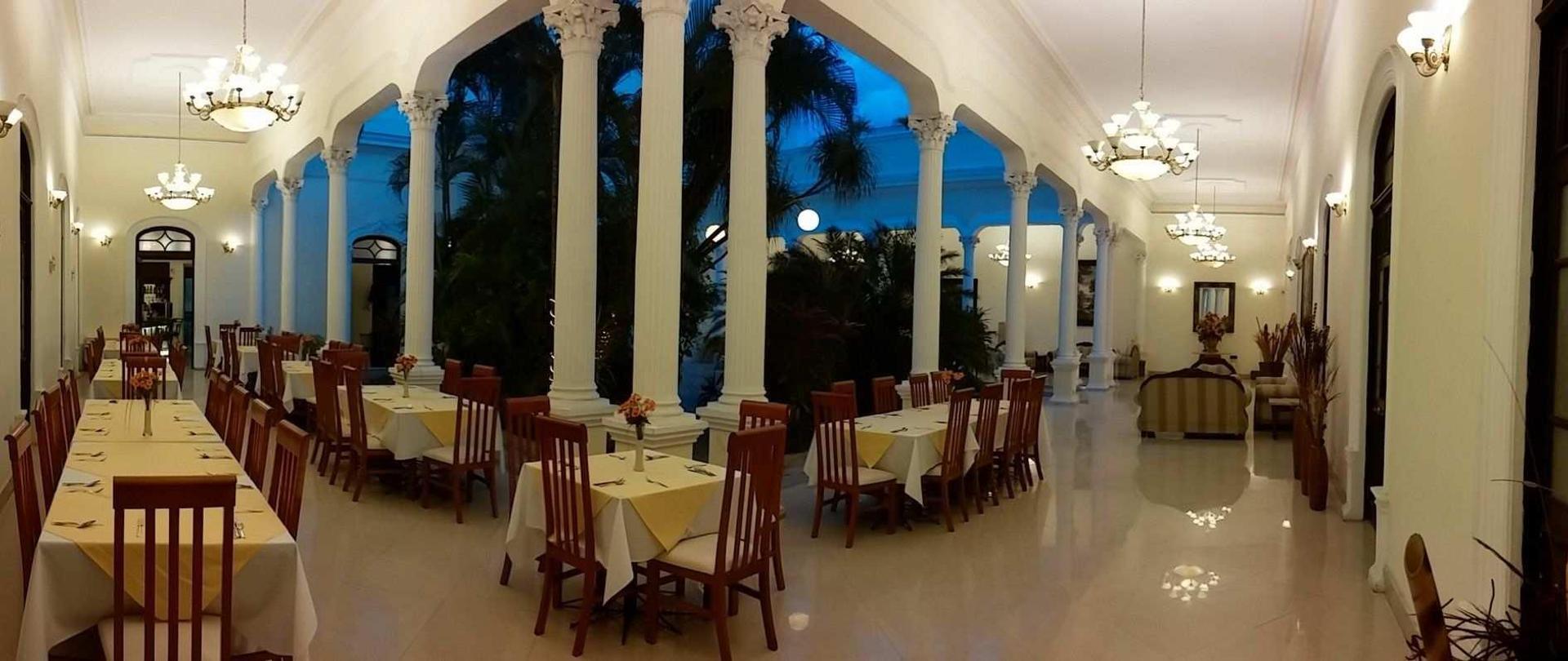 lobby-restaurante.jpg