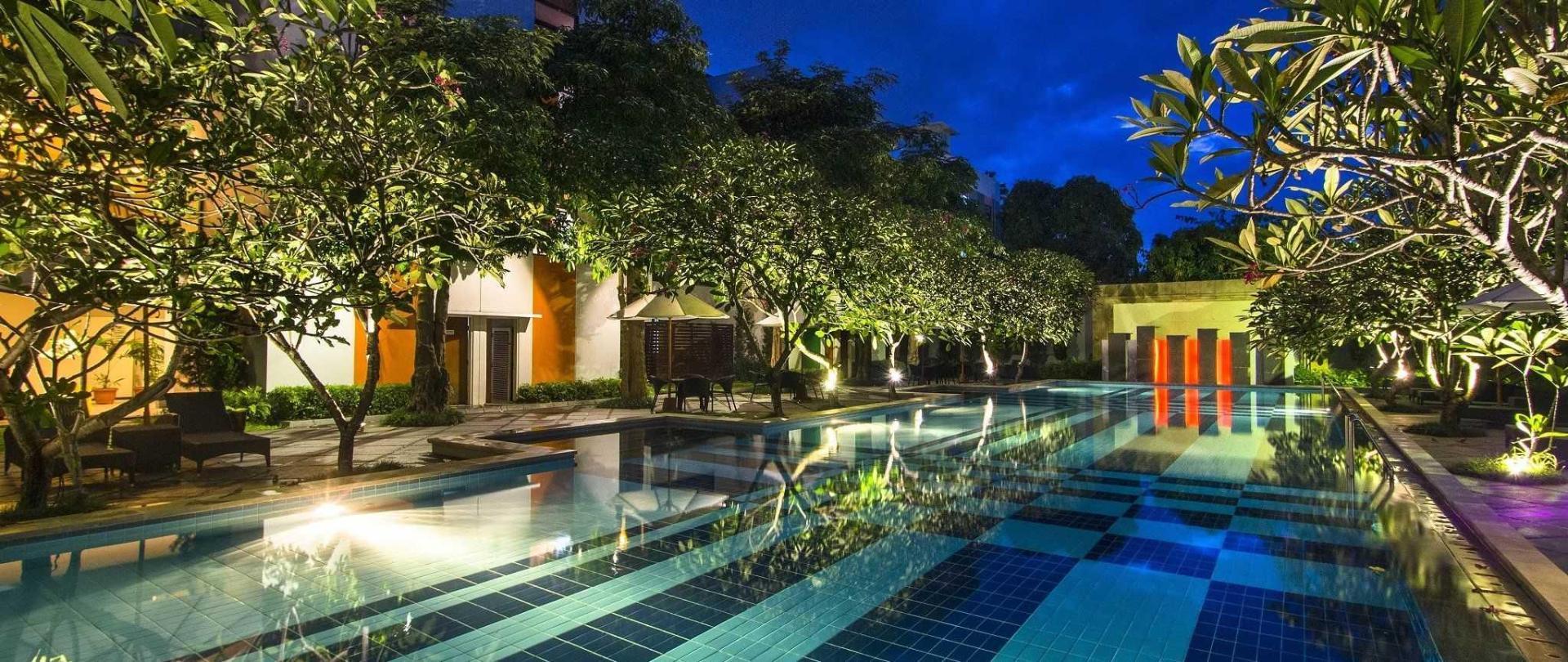 pool-evening-1.jpg