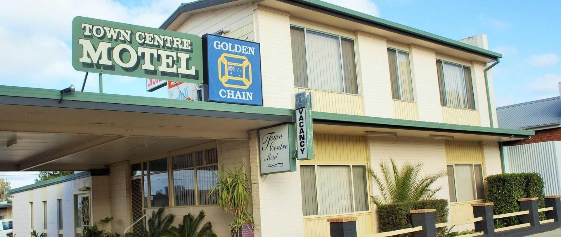 motel-entrance-3-2.jpg