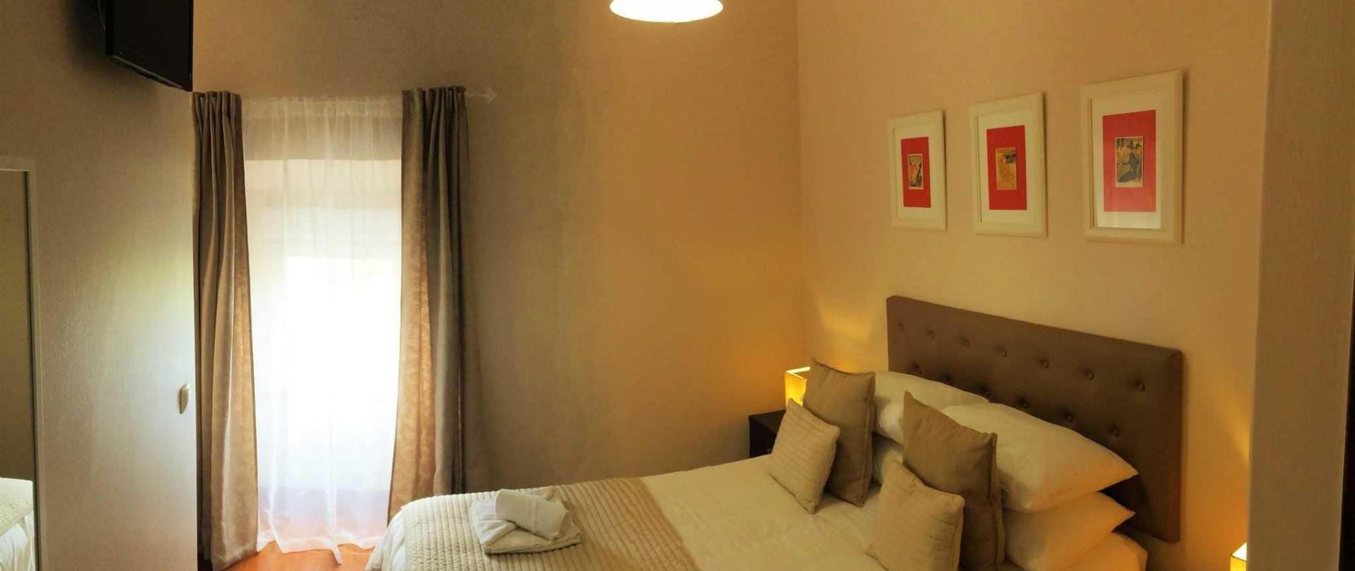 room4-e-1.jpg
