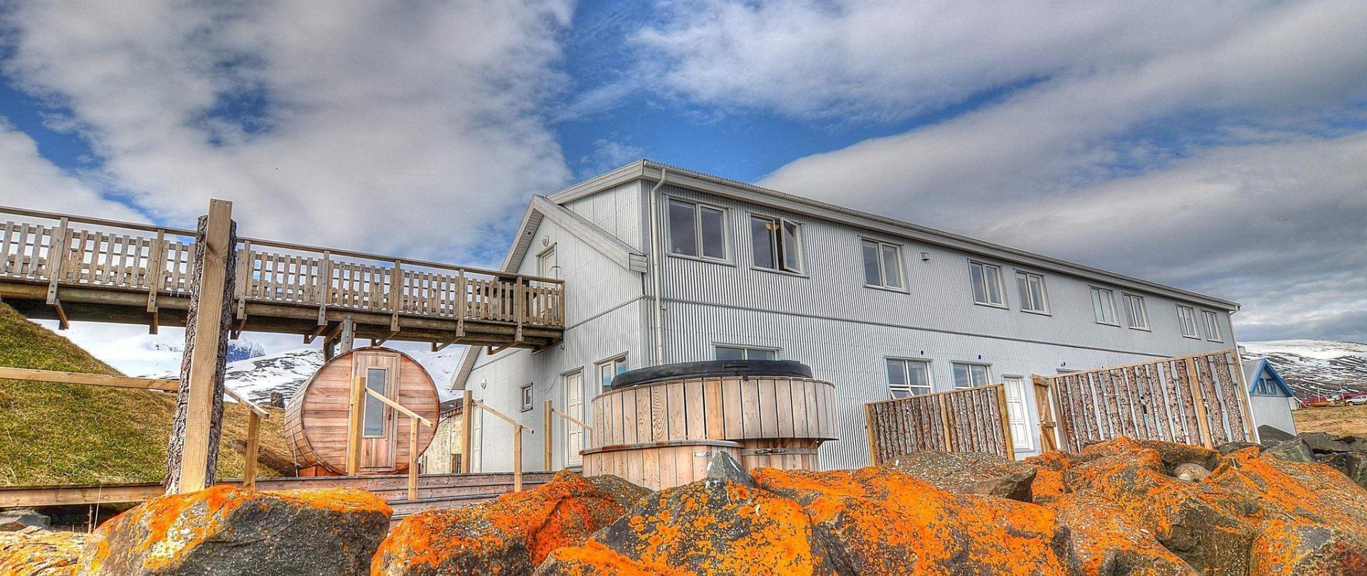 Blabjorg Guesthouse