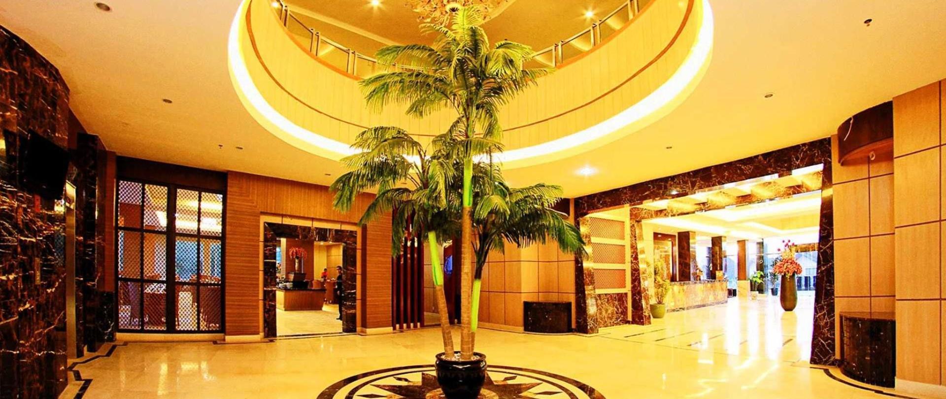 04-lobby.jpg