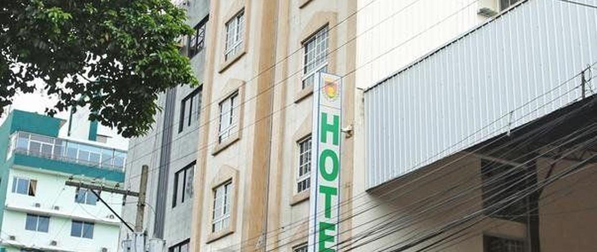 hotel-san-remo-homepage-1.jpg
