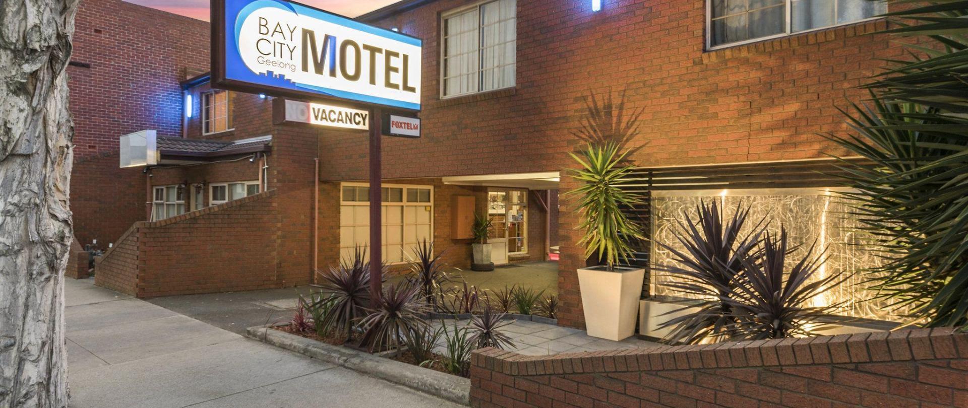 motel-front-1.jpg