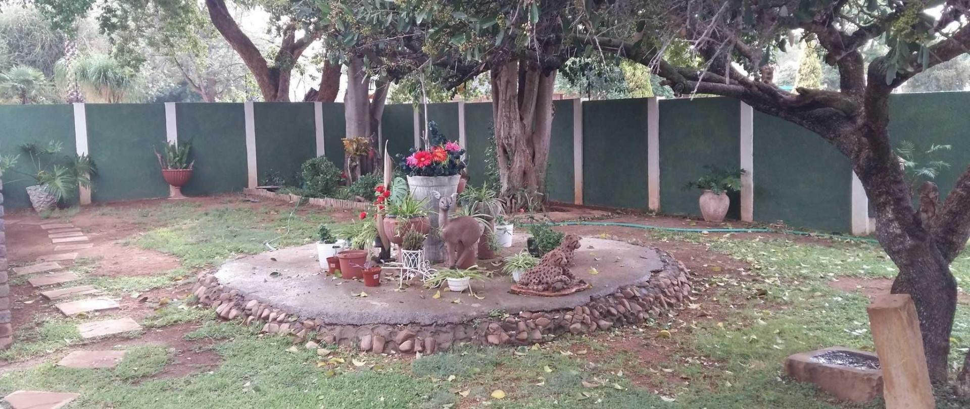front-garden-1.jpg