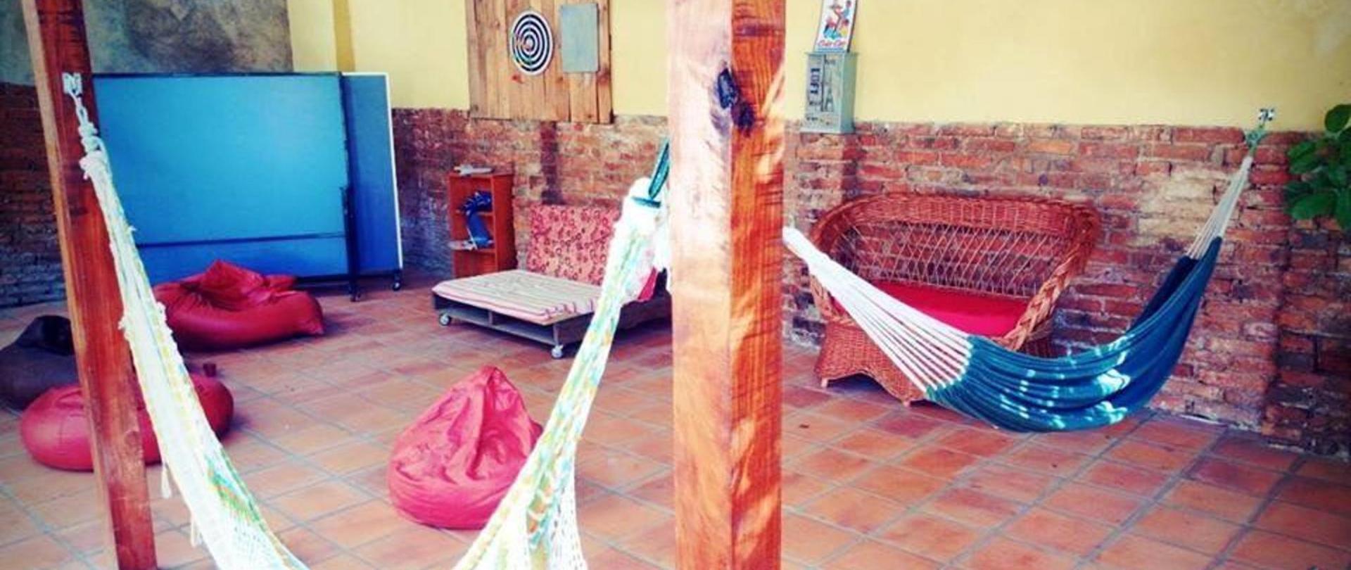 sala-de-juegos-hostel-asuncion-nomada.jpg