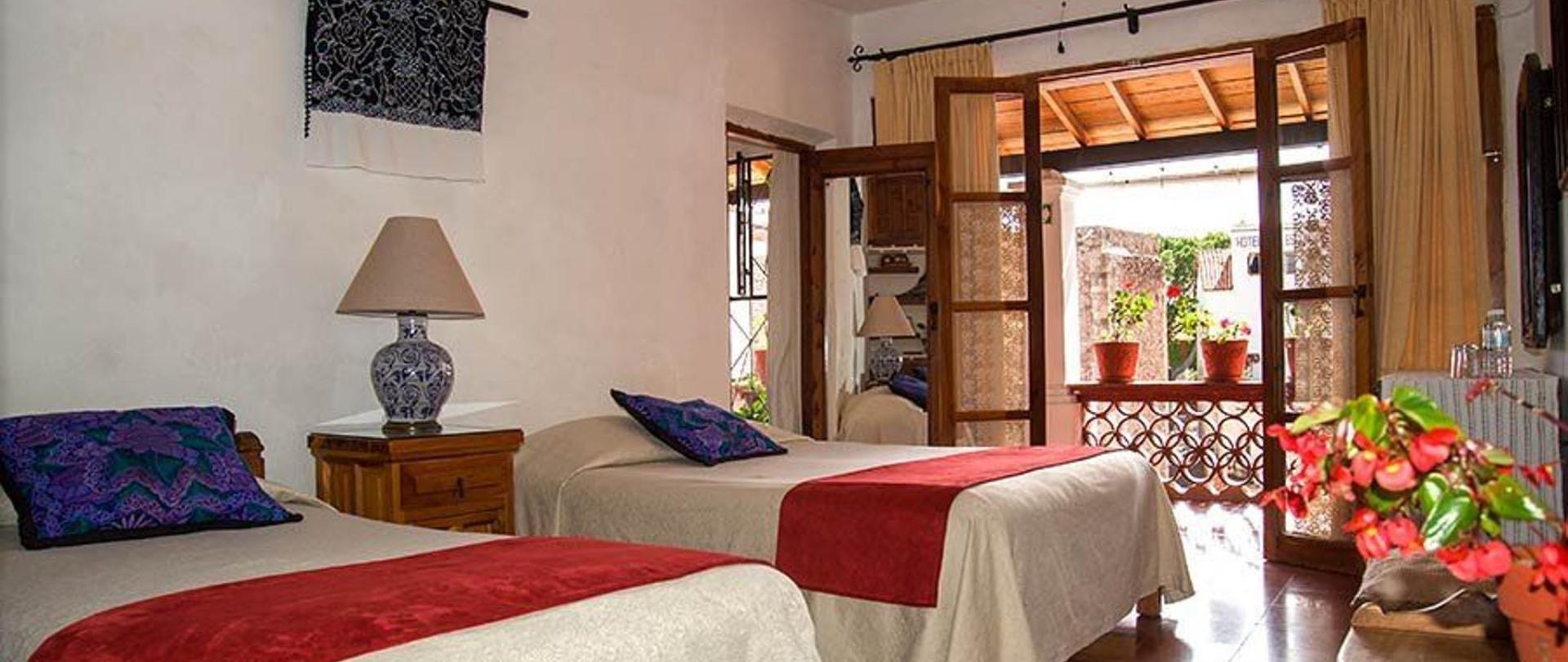 El Arbolito Guestroom at Hotel Mi Casita