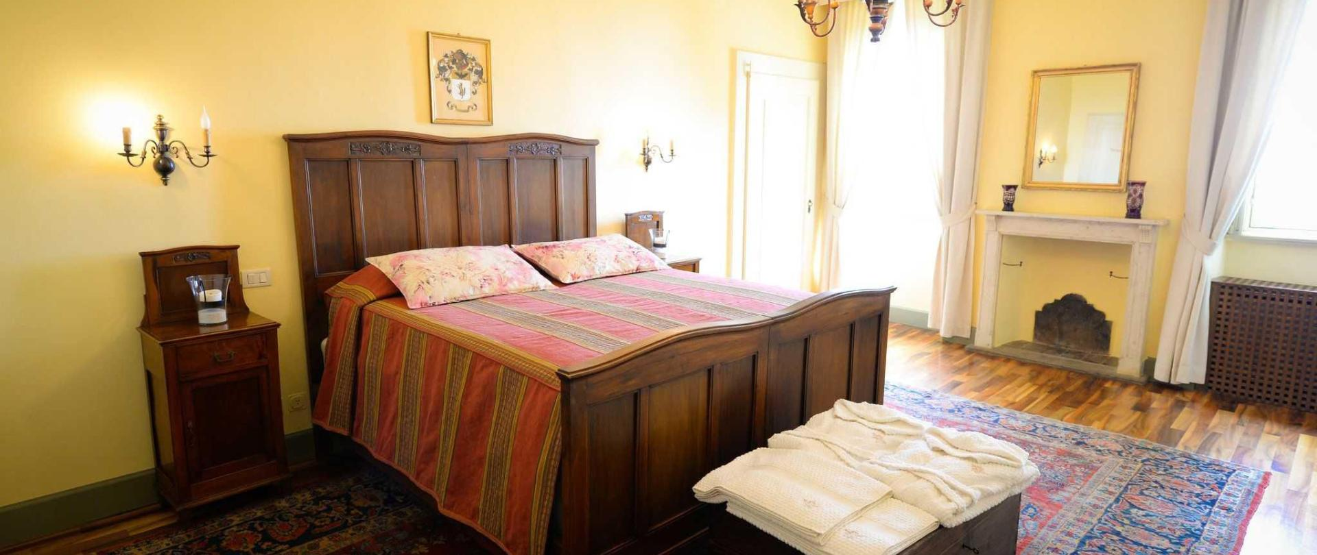 Castello degli Angeli Historical Suite.jpg