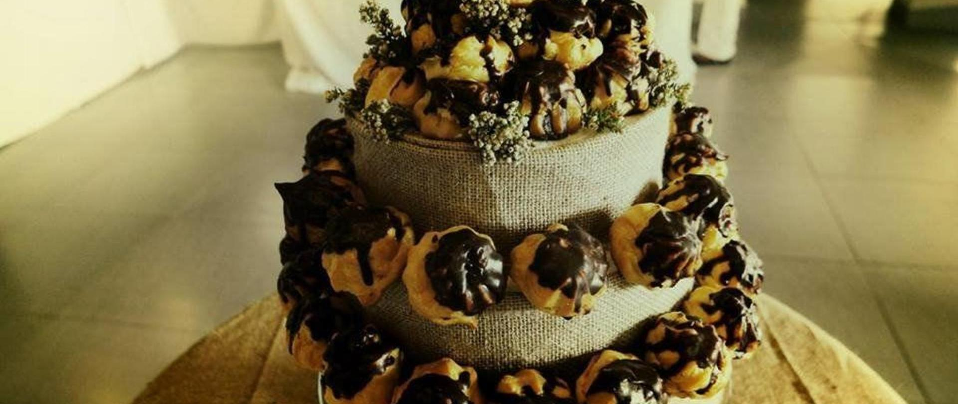 eclair-wedding-cake.jpg