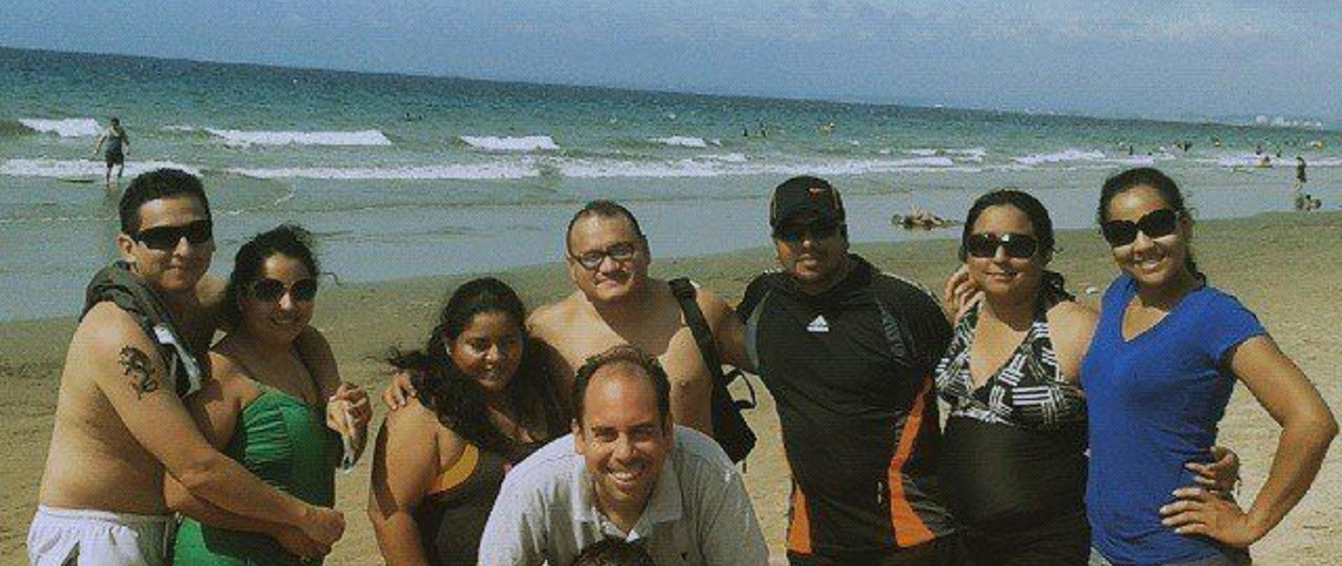 Cuando la familia y los amigos se reúnen en La Ideota, las salidas a la playa son más divertidas