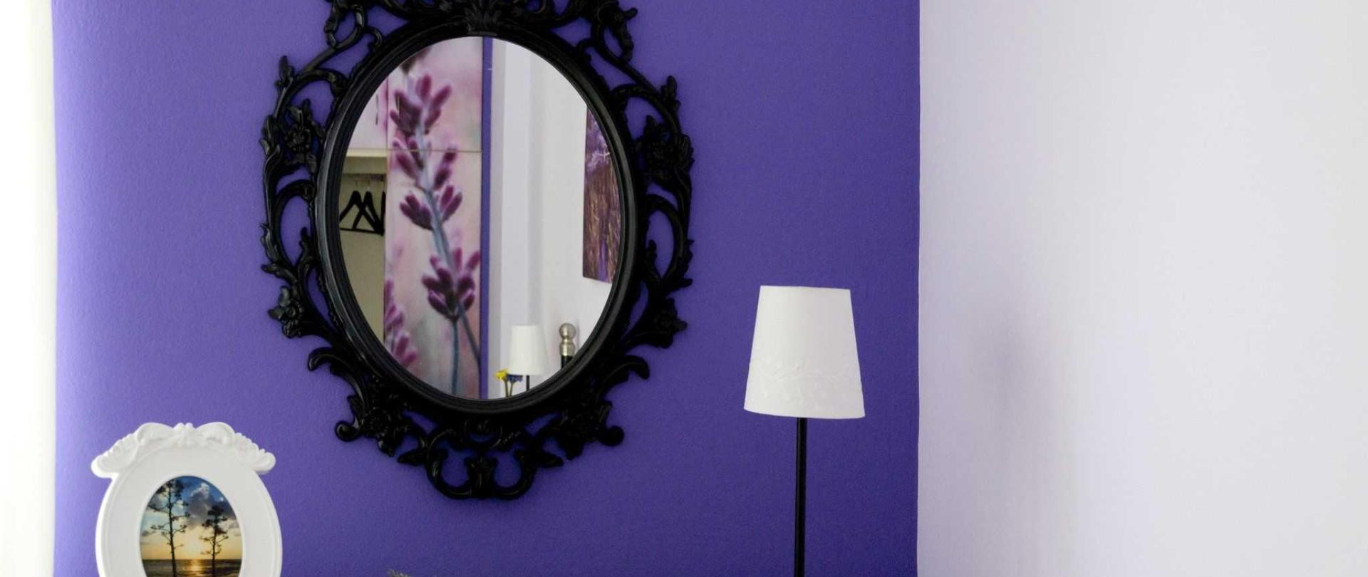 Lavender Flat, Bedroom Mirror