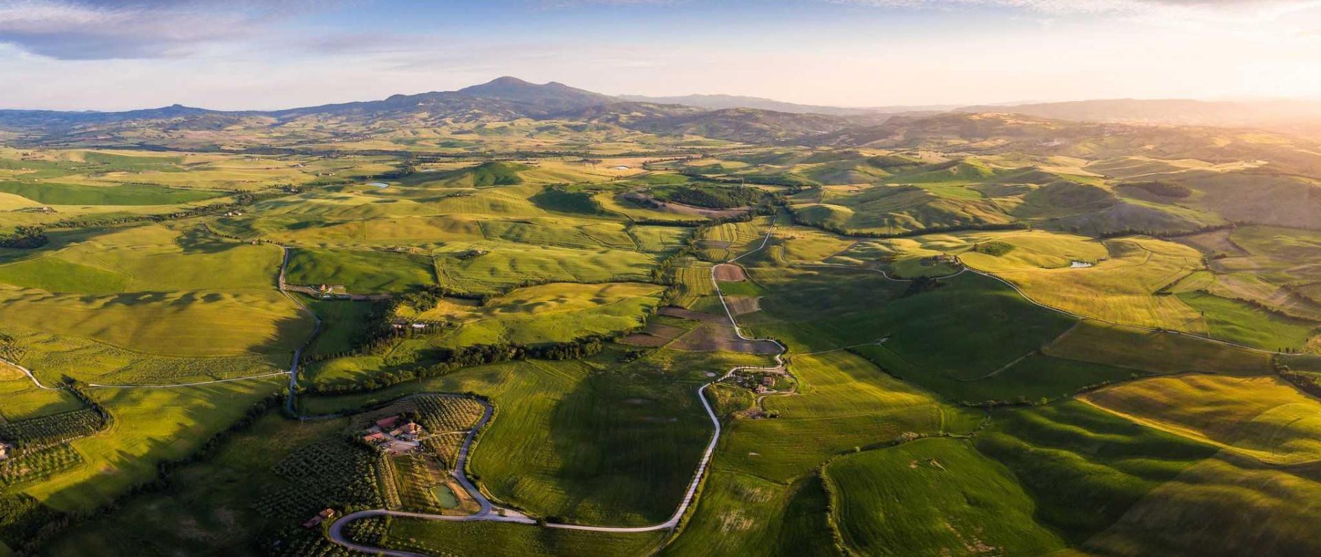 tuscany_panorama-2.jpg
