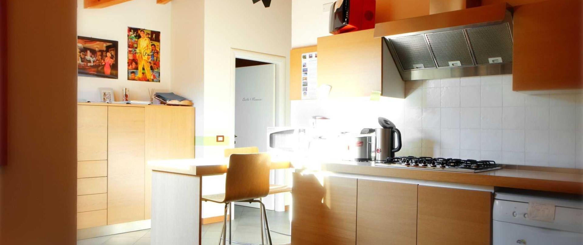 cucina-luminosa.jpg