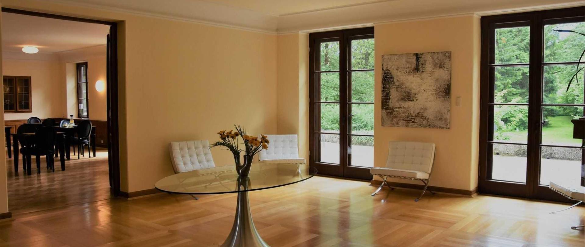 cor-resort-lounge-und-bistro.jpg