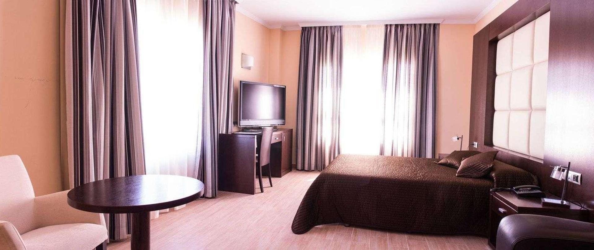 hotel-suite-1-12.jpg