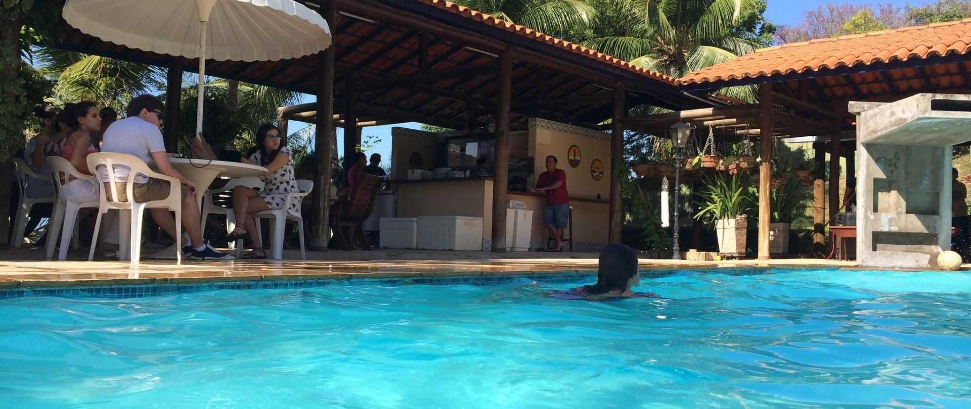 piscina-mov1-1.jpg