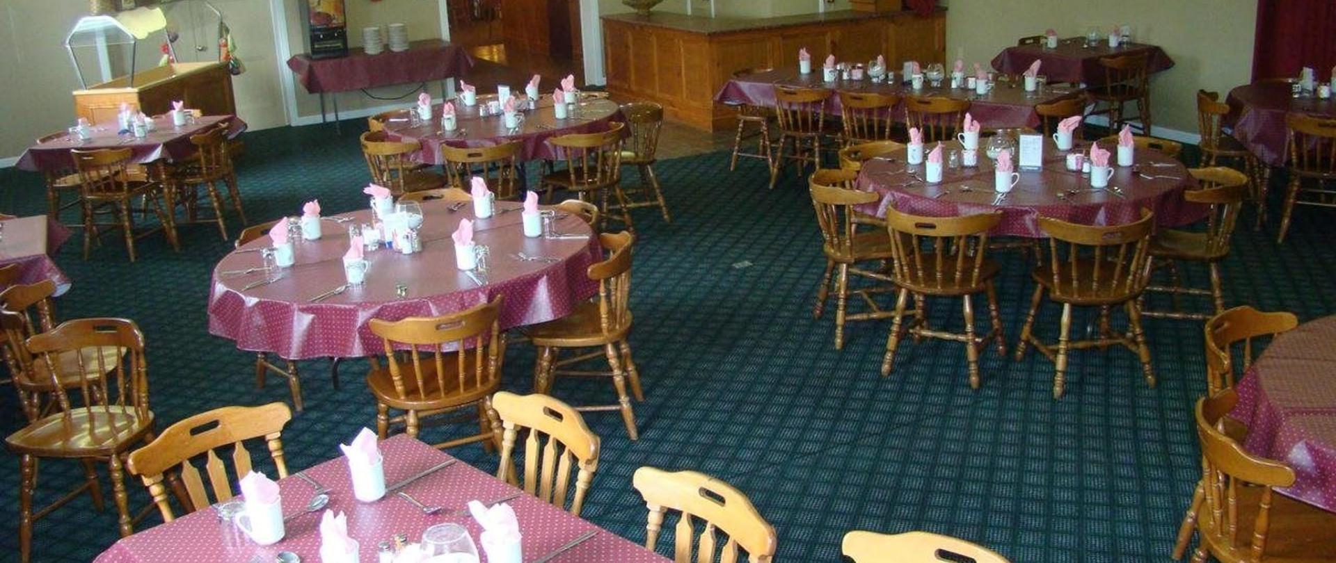 Colonial dining 2.jpg