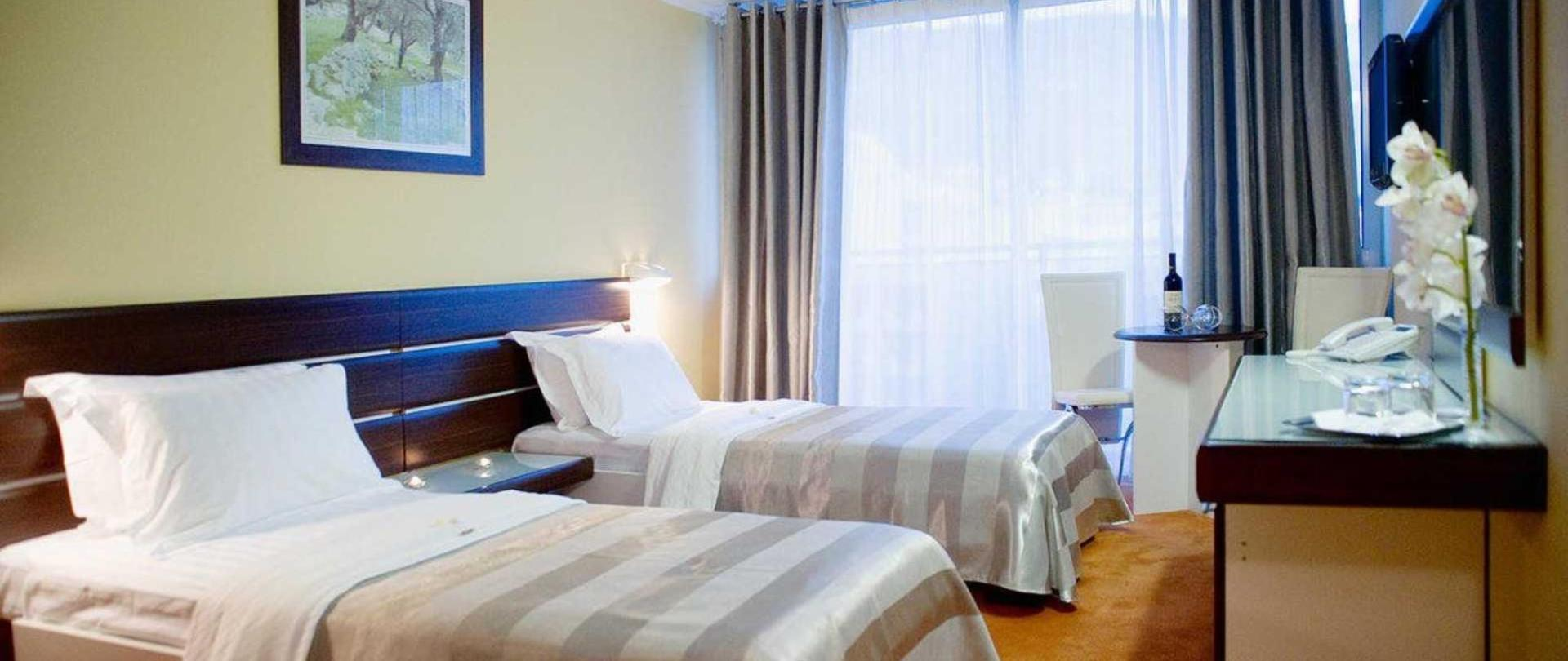 Hotel Tara