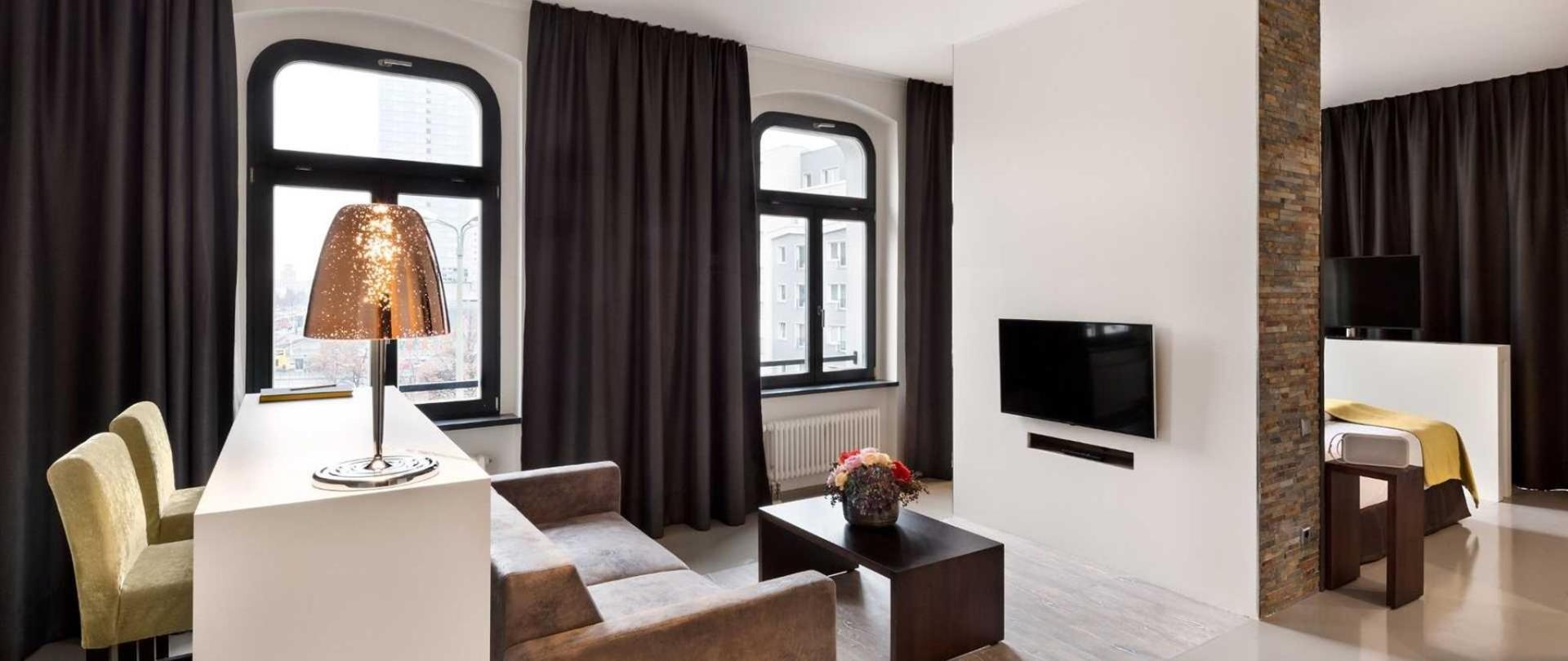 lux 11 berlin mitte berlin germany. Black Bedroom Furniture Sets. Home Design Ideas