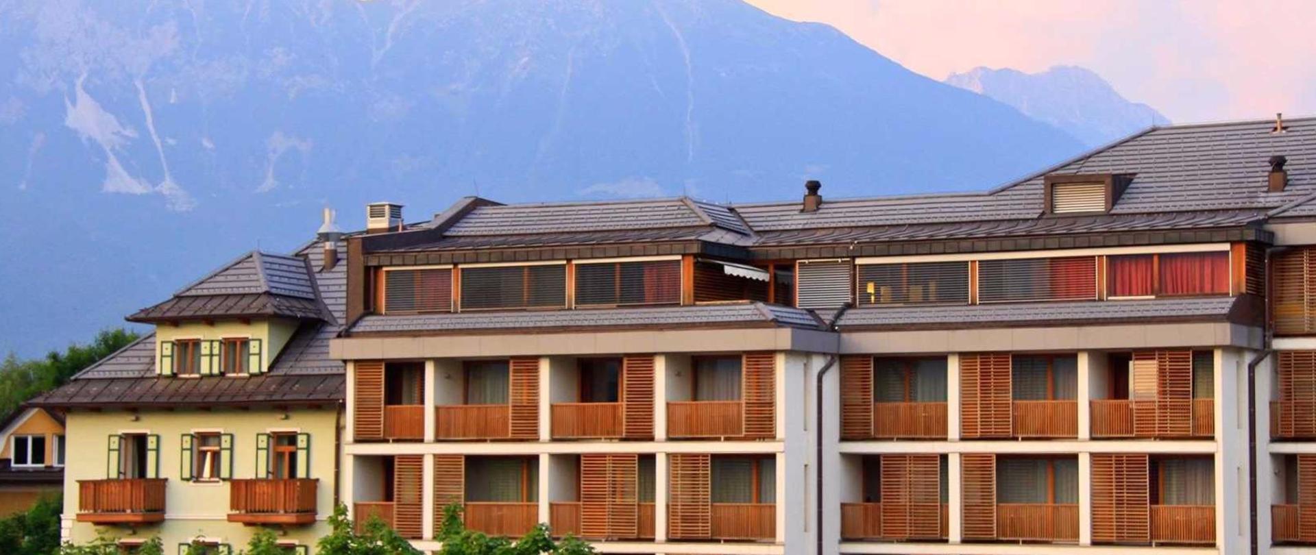 Hotel Lovec - Außenansicht