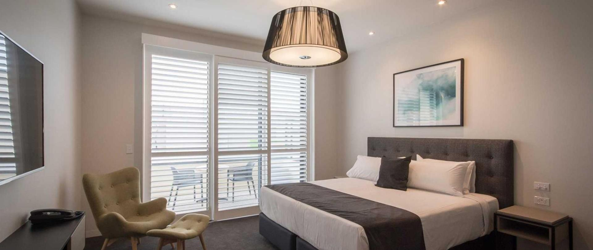 Beachfront king suites.jpg