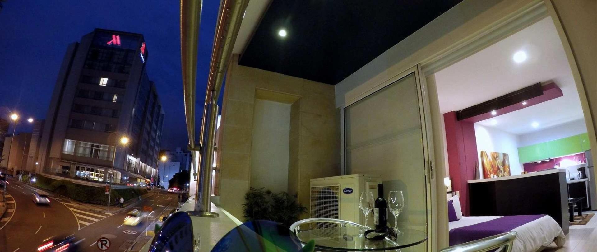 Habitacion Loft Suite + balcón - Aqua Granada Hotel