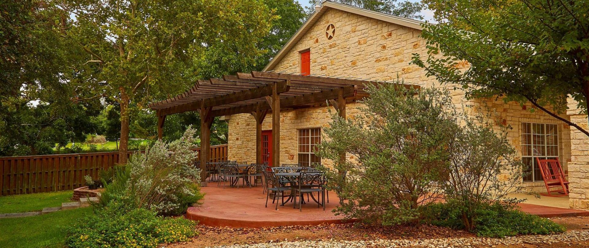 hotel fredericksburg tx booking breakfast the com us and bird haus bed