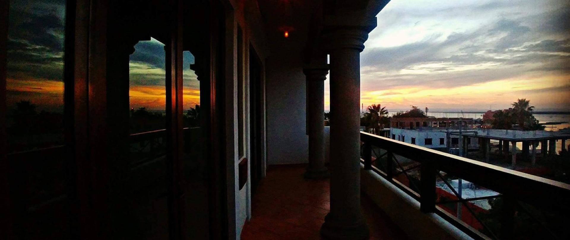 Maria California Inn