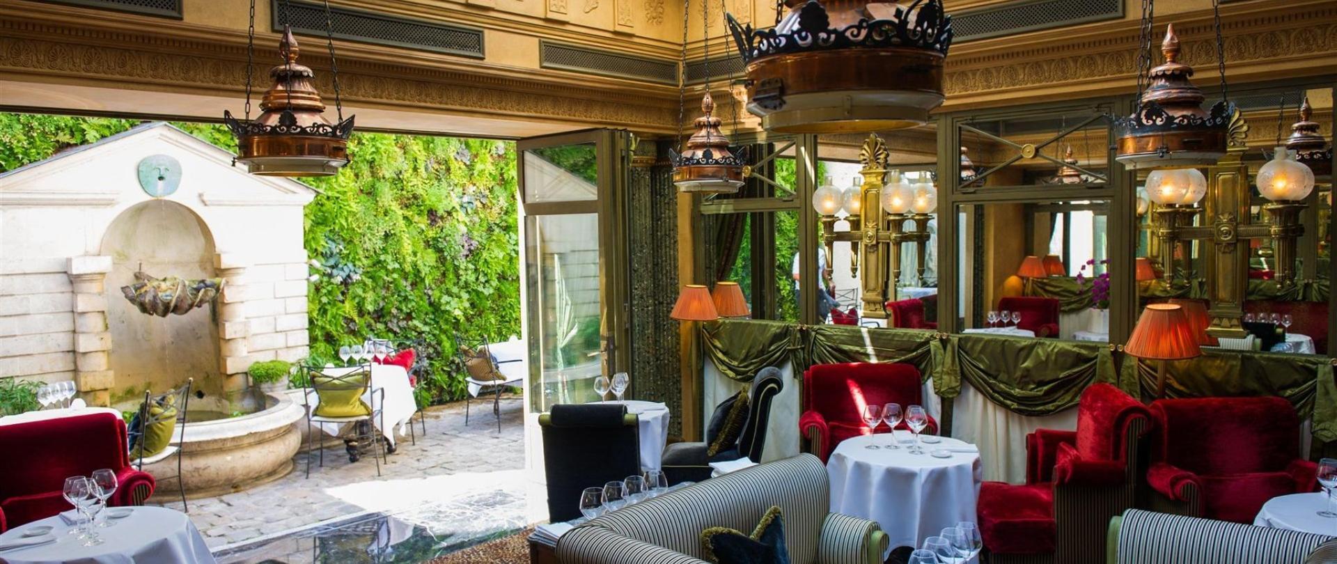 Le Restaurant L'Hotel.jpg