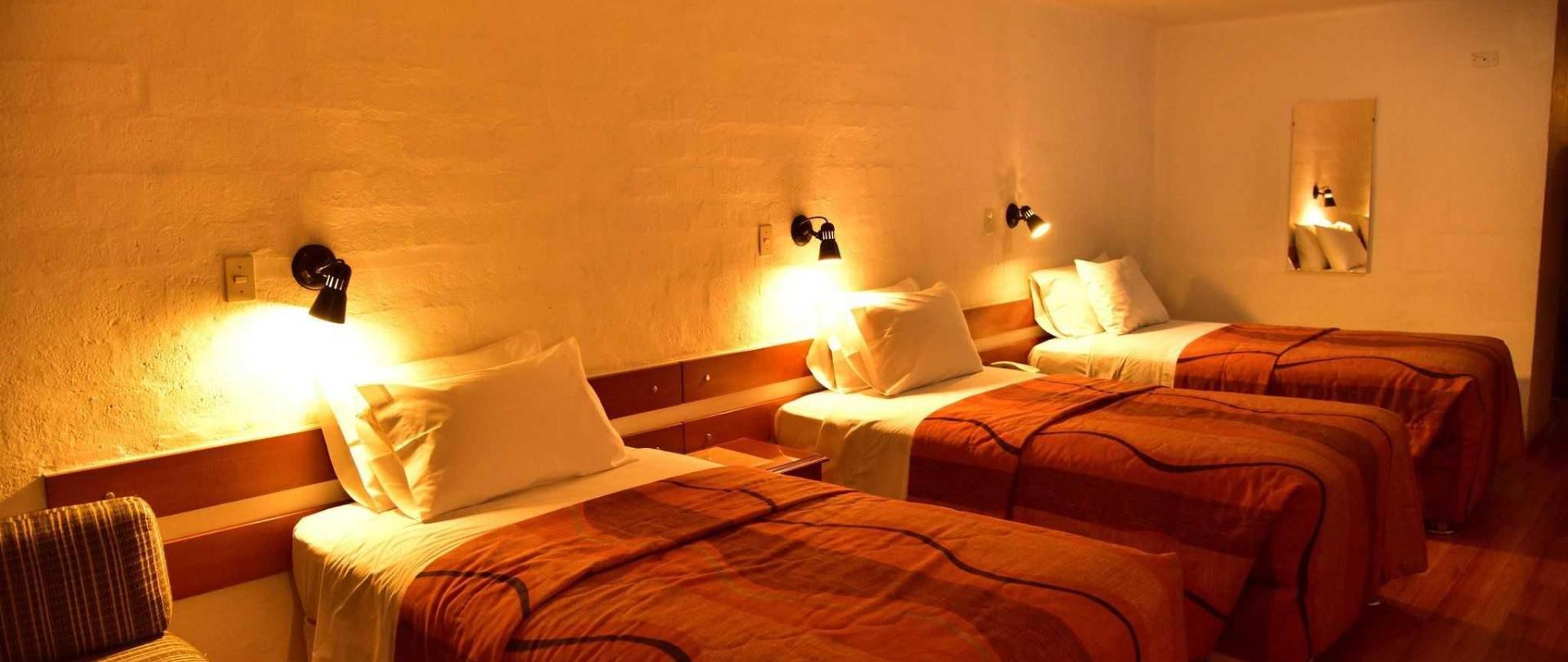 hotel-holiday-suites-3-estrellas-tacna-habitacion-triple-3.jpg