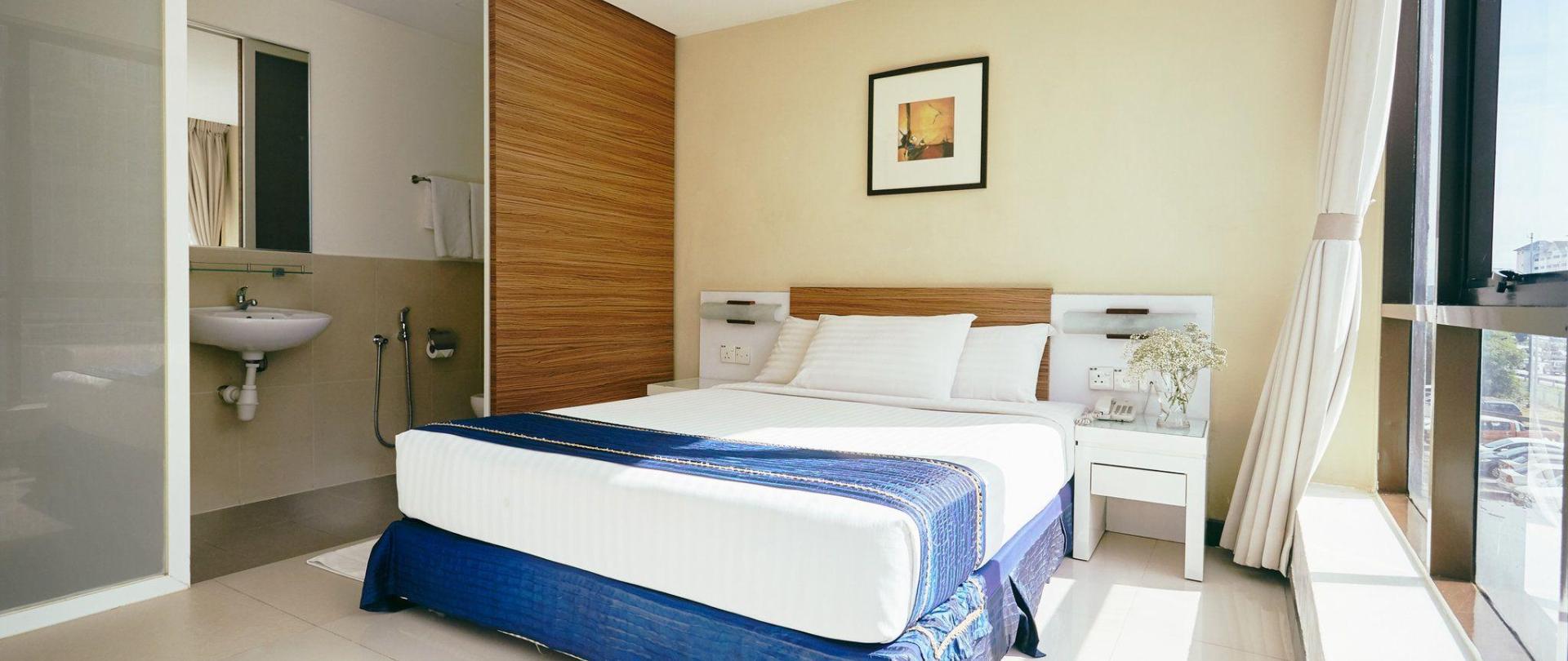 deluxe-suites-1.jpg
