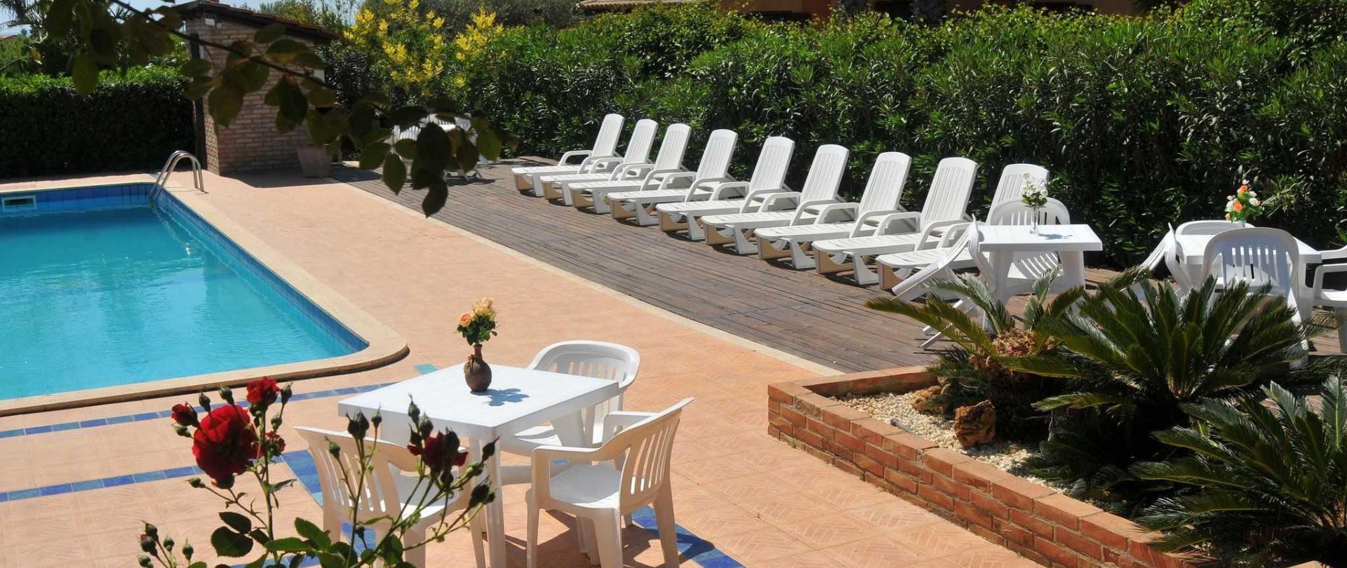 5_resort_noto_il_mandorleto_avola_villa_con_piscina_campagna_siciliana_16.JPG