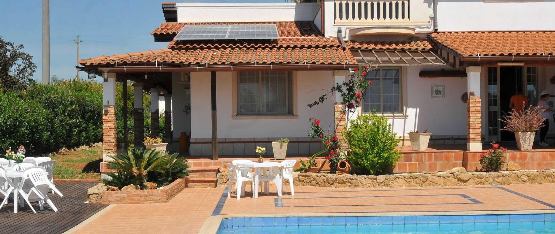 7_resort_noto_il_mandorleto_avola_villa_con_piscina_campagna_siciliana_13.JPG