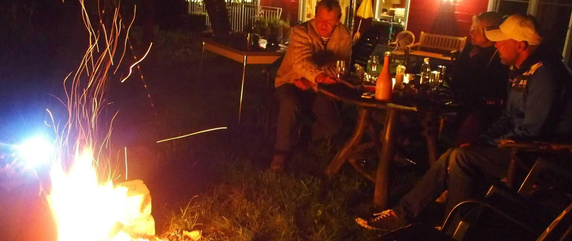 evening at the fire in the garden