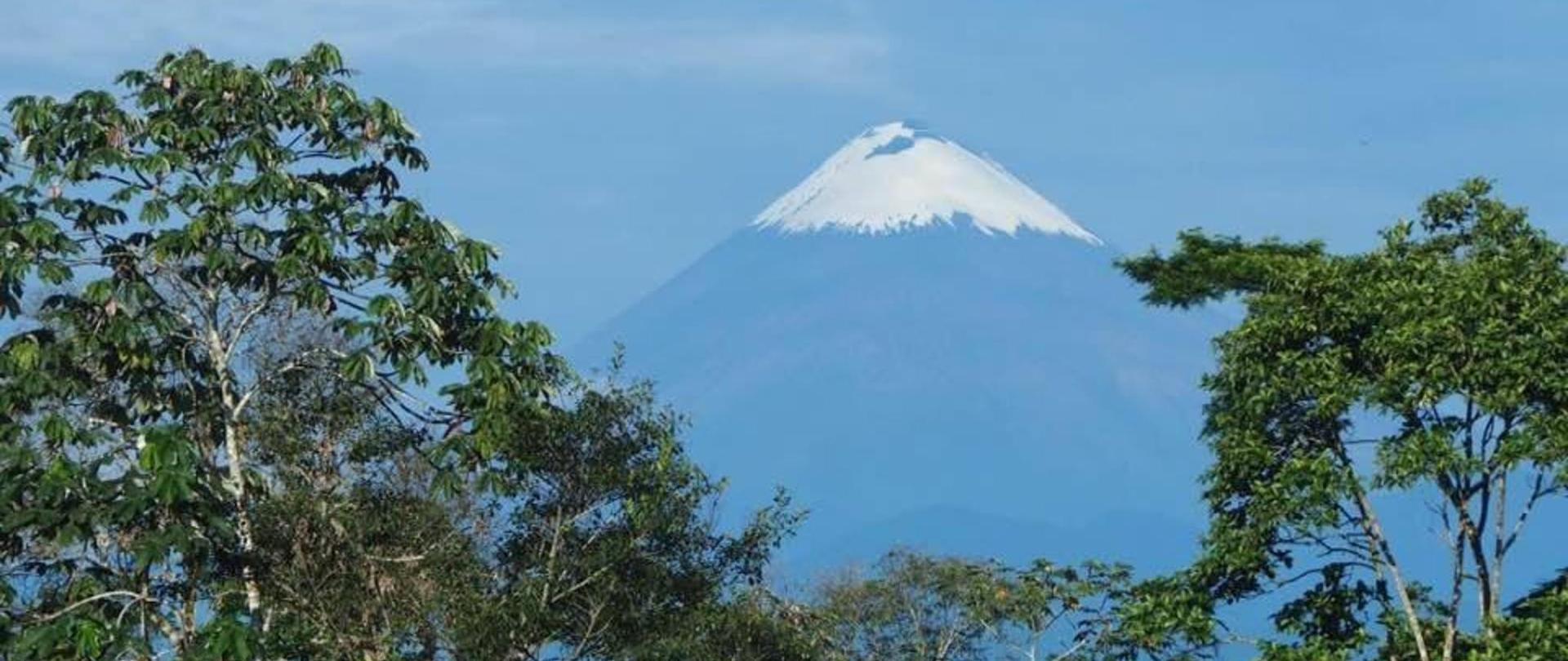 volcan-sangay.jpg