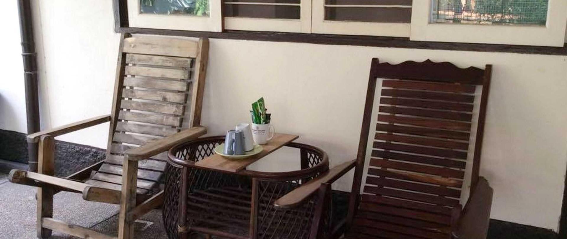 chair-garden4-vdo-re.jpg