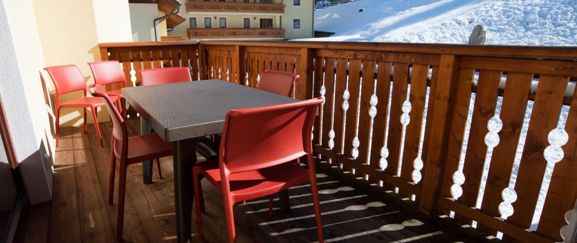terrassenm-bel-balkon-winter-1.jpg