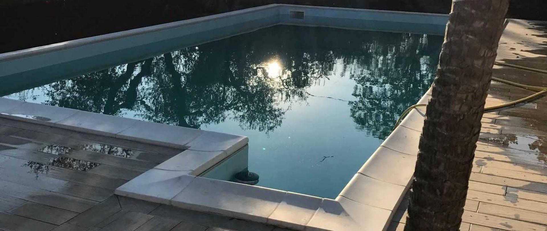 piscin-1.JPG