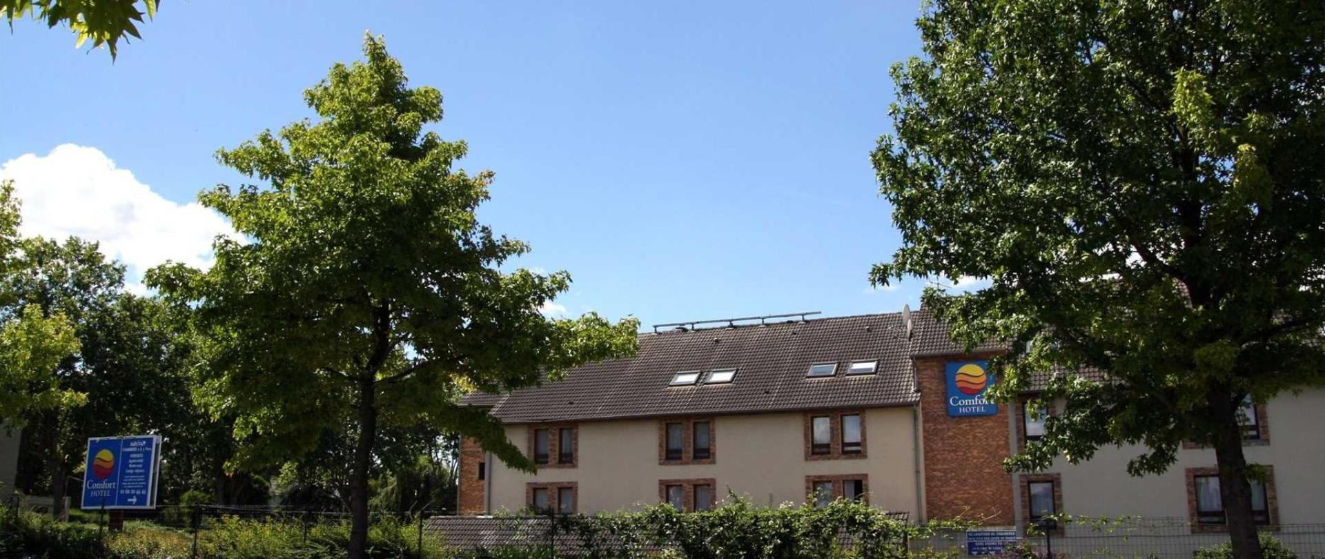 facade2.jpg.1920x807_default.jpg