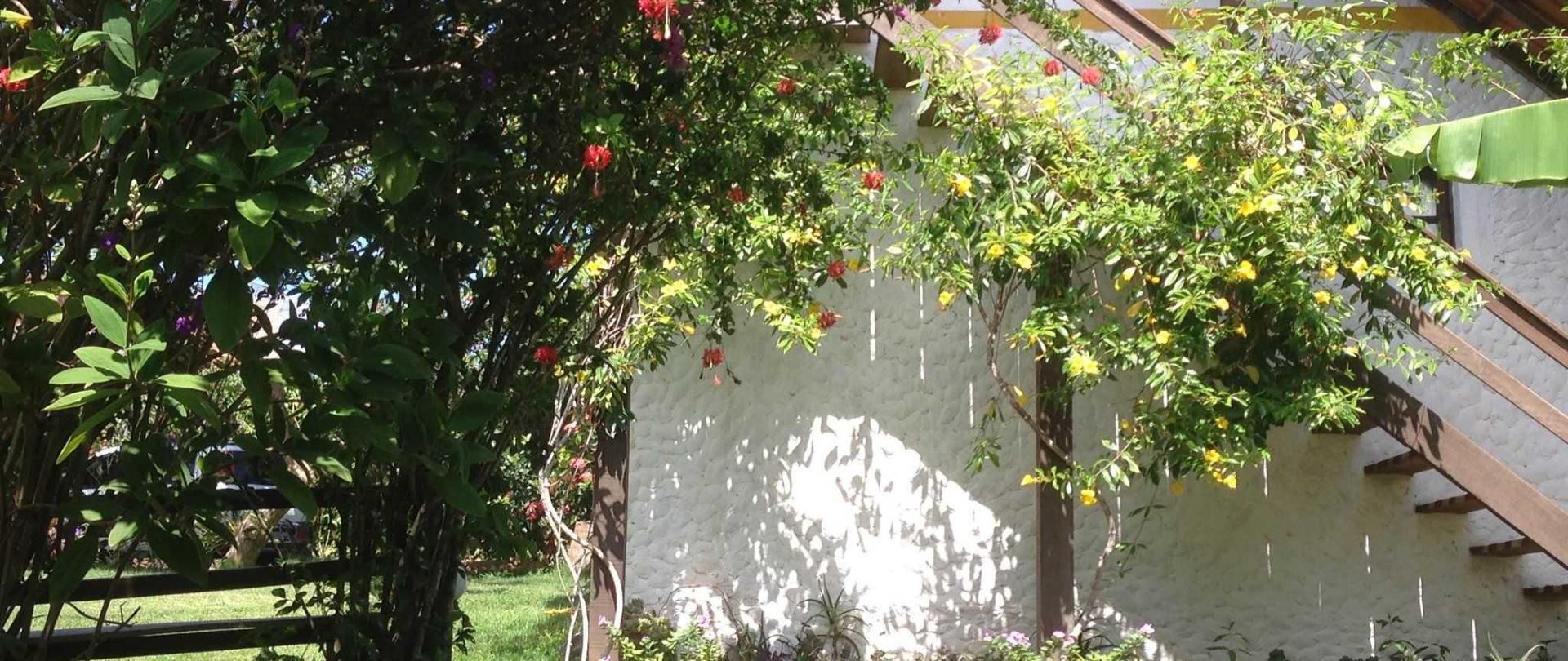 varanda-do-caf-da-manh-vista-das-flores-1.JPG